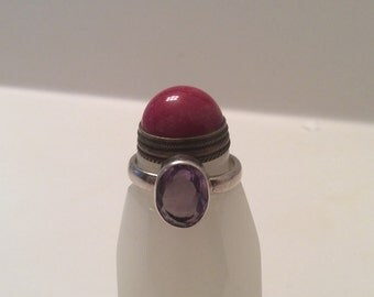 Vintage Amethyst Faceted Gemstone and Sterling Silver Retro Modernist Ring