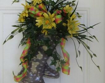 Yellow Daisy Door Decoration, Goulashes Wreath, Door Decoration, Spring Door Decoration, Summer Decoration, Year Round Door Decoration