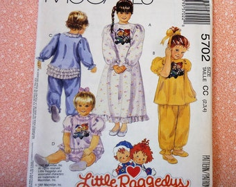 Vintage McCalls Sewing Pattern #5702, Girls Sleepwear with Permanent Transfer, Sizes 2, 3, 4, Raggedy Ann, UNCUT