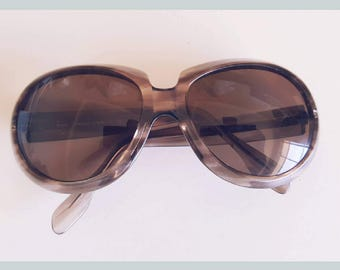 FINAL CLEARANCE Vintage 1960s Brown Torstiseshell Lucite Sunglasses