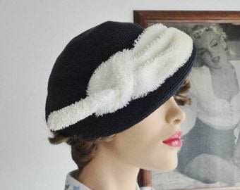 Dark Blue 40s Vintage Hat With White Ornaments And Hatpin