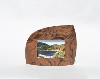 "Landscape Picture frame in walnut burl for 4"" x 6"" picture"