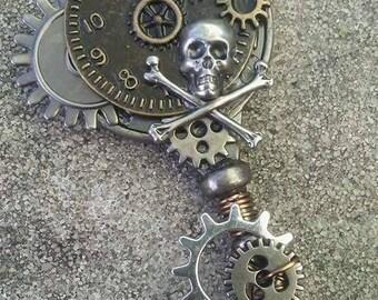 Skull & Gears Key