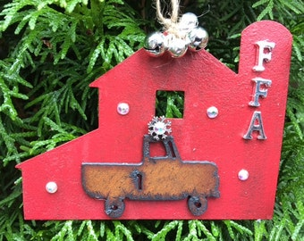 FFA, Farmhouse chic, Farmhouse Decor, Red Barn, Farm Girl, Country Girl, Farm Girl Gift, Christmas, Christmas ornament, Christmas Gifts