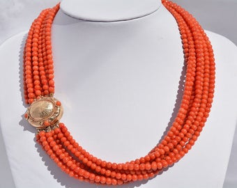 Red Coral necklace from Mediteraneo Sea with 8 sferes wires
