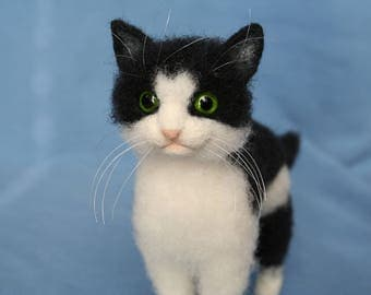 Needle Felted Cat. Black and White Cat. Felted Cat. Felt Kitten.  Needle Felting. Pet Portrait. Felted Animal.  Made to Order.