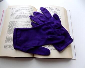 Formal Gloves, Vintage Gloves, 1960s, Purple Gloves, 60s Gloves, Plum, Size Small, Size Medium, Womens Gloves, Ladies Gloves, Accessories