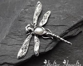 Dragonfly Pearl pendant,Pearl brooche,Dragonfly brochee,White pearl pendant,Silver jewelry,Handmade jewelry,sterling silver, pearl Dragonfly