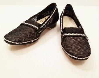 Vintage 1960s Deadstock New Old Stock Lady Wellco Black Nylon Zig Zag Ecru Mesh Wide Kitten Heel Pumps Vintage Shoes Vintage Heels Loafers