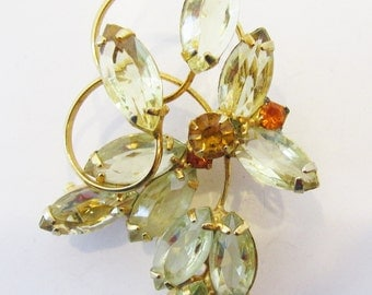Scrumptious Vintage Late 1950s Gold Toned Citrine Rhinestone Pin