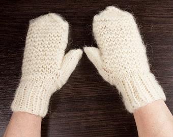 Womens Goat wool mittens, Gift For Her, Gift For Christmas,  gift for mom, gift for winter by LoveKnittings