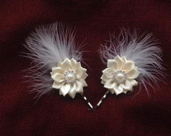 Pair of White ivory cream feathers satin ribbon roses flowers Bridal vintage shabby Chic Diamanté hair pins grips slides Brides Maids