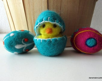 Easter egg and his Chick, felted wool, Easter decoration