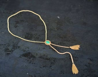 Vintage Avon Lariat Necklace with Green Stone