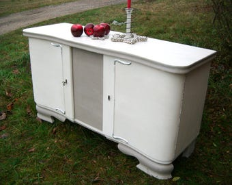 40ties vintage buffet chest of drawers Queen, chalk paint upcycling project shabby chic fairy tale book.