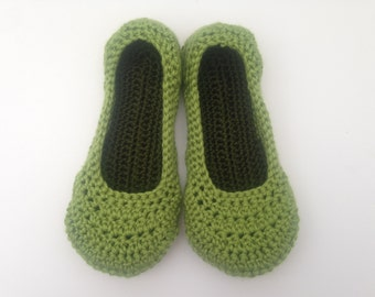 womens spring green crochet slippers. Ladies slippers. House Shoes. Mothers Day Gift. Easter Gift for her.