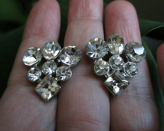 Sparkly rhinestone Earrings screw back rhinestones vintage Crystal earrings prom earrings Pageant jewelry fashion triangle 1950s