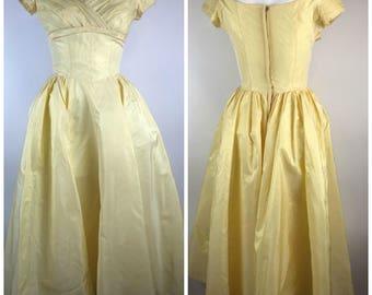 Vintage 1950s Priscilla of Boston Party Dress Knee Length Off Shoulder Yellow Pastel Spring Bridesmaid Prom Taffeta Beauty Beast Cosplay