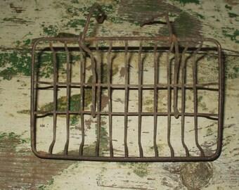 Antique Vintage Wire Primitive Soap Dish Holder Basket Farm House French Claw Bath Tub
