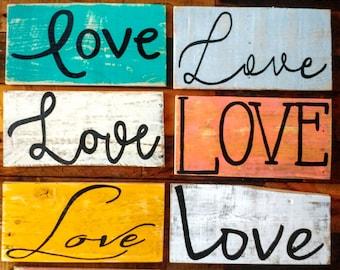Rustic Love sign, Love sign, photo prop, Love sign, rustic Love sign, pallet board home decor, Love decor, Love pallet art, Valentine art