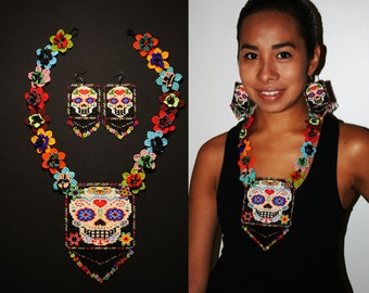 Sugar Skull Necklace with Matching Earrings, Mexican Sugar Skull Jewelry, Beaded Sugar Skull Medallion Necklace, Dia de los Muertos Jewelry