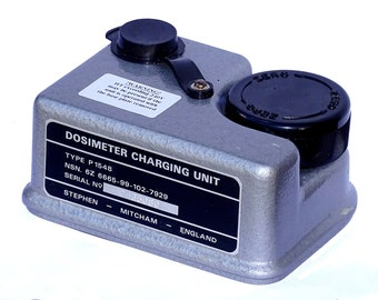 1980s Ex-Mod Dosimeter Charging Unit Genuine British Army Surplus radiological pen charger Type P1548 radiation nuclear fallout