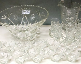 Vintage 23 Piece Pressed Glass Anchor Hocking Punch Bowl Set Star Pattern