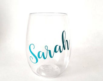 Bachelorette Party Favor, Bridesmaid Gift, PLASTIC wine glass, personalized wine glass, wedding favors, bachelorette party cups, party cups
