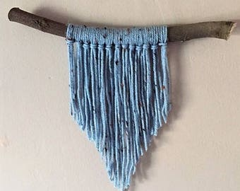 mini speckled blue yarn wall hanging
