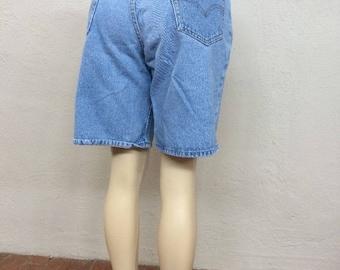"90s Levi's 550 Denim Shorts size 32"" ~ Vintage High Waisted Denim ~ Light Wash Blue Jeans ~  Dad High Waisted Normcore ~ 15322 ~ 32"" Waist"