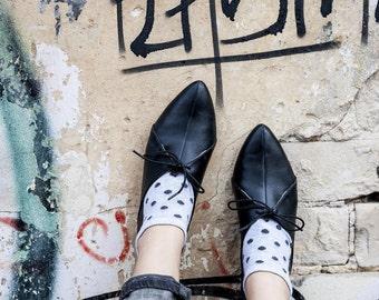 Sale 40% off! Black flat shoes, women black leather shoes, women shoes, flat black oxfords, black tie shoes, black oxfords, handmade