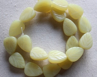 Honey Jade Leaf Shaped Bead 20 x 15mm - Full Strand