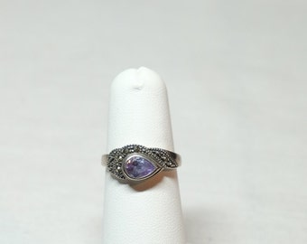 sterling silver amethyst ring with marcasites approximately size 7