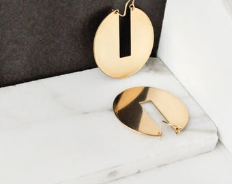 Gold Statement Earrings, Minimal Gold and Brass Hoops. Geometric Earrings, Large Simple Hoop Earring, Circular Earrings | The Signa Hoop