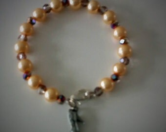 Bracelet with glass beads and dazzling faceted beads and bead.