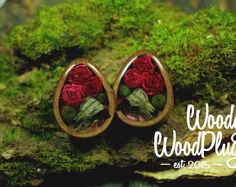 Plugs Roses  plugs skulls - wood plugs - teardrop ear plugs - dropshaped wood plugs - floral plugs - cute plugs - plugs floral acrylic plugs