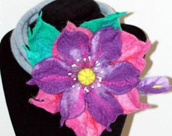 Felted wool Necklace- HANDMADE -  Flower pink,purple.