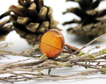 Leaf ring - Bronze ring - Bronze leaf ring - Spring jewelry - Nature - nature lover gift - resin, handmade jewelry, gift for her