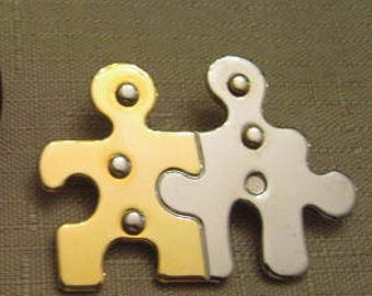 Un Used Vintage Gold Tone SilverTone Metal People Puzzle Brooch Autism Awareness Brooch Pin