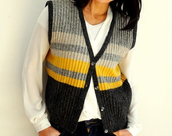 Knitted wool vest striped women knit sleeveless sweater front buttoned gray yellow Vintage 1970s Size L Large