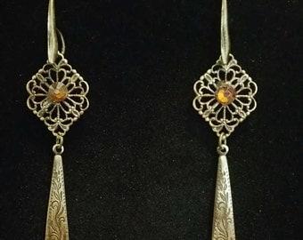 0208-Antique Brass Drop Earrings
