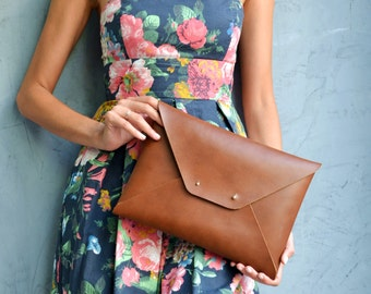 Brown leather clutch bag / Walnut brown envelope clutch / Genuine leather / Bridesmaid clutch / Bridesmaid gift