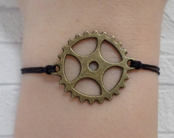 Steampunk bracelet - antique bronze gear