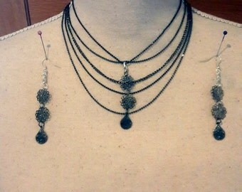 Boho chic  vintage tone silver collier, fine chains Choker and earrings,