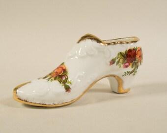 Royal Albert Old country roses, small shoe, bone china, porcelain, English china, transferware, vintage.
