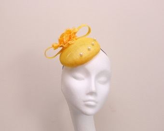 Yellow Fascinator hat.Pill box hat.Floral.Wedding Hat