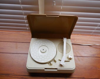 Vintage Vanity Fair Phonograph - WORKING CONDITION / Vintage Children's Record Player / Vintage 45 Player