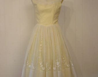 Vintage dress, vintage 1950s dress, vintage clothing, prom dress, 3 layer dress, Medium