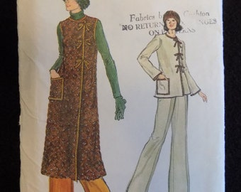 Vintage 1970s Very Easy Vogue Pattern 9299 Misses' Dress Top and Pants size 12
