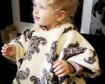 Car seat Poncho Luxury Fleece, toddler Poncho, spring jacket, spring coat, hooded Poncho,  spring girls coat, floral coat